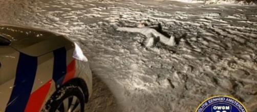 Un cadáver que resultó ser un muñeco de nieve