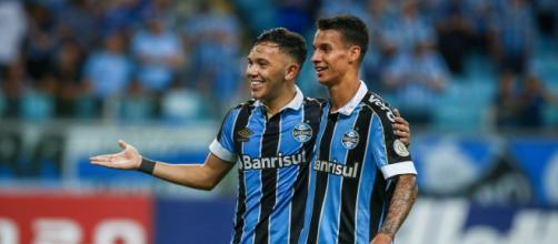 Ferreira se mostra como potencial substituto de Pepê no Grêmio. (Arquivo Blasting News)