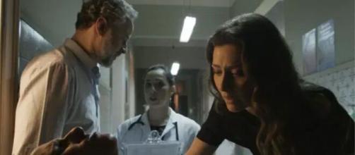 Joyce irá se desesperar com o estado do filho em 'A Força do Querer'. (Foto: Globo).