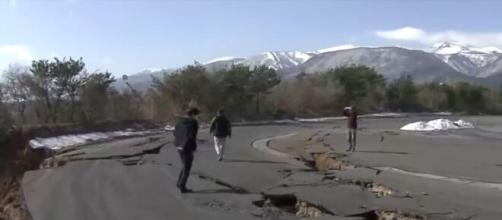 Japon – Un séisme de magnitude 7,3 fait une centaine de blessés. ©RTBF Capture video