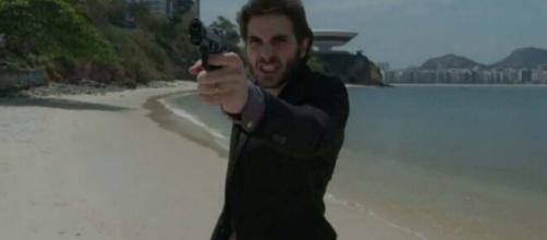 """Ruy tenta matar em """"A Força do Querer"""". (Reprodução/TV Globo)"""