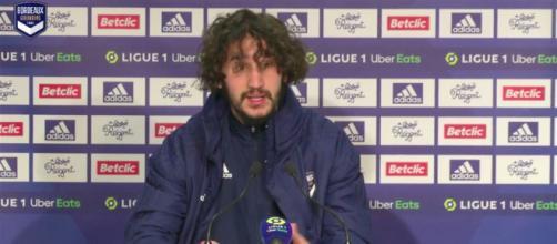 Yacine Adli pète un plomb en conférence de presse - Photo capture d'écran vidéo Girondins de Bordeaux