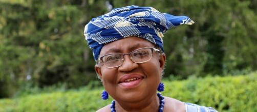 A economista Ngozi é primeira mulher no comando da OMC. (Arquivo Blasting News)