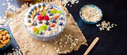 Gachas de avena para un desayuno saludable y calientito
