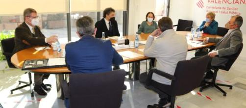 Sanidad constituye una mesa de diálogo con el sector de la la hostelería de Valencia