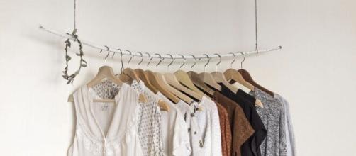 Dicas práticas de como se vestir bem gastando pouco. (Reprodução/Pixabay)