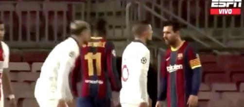 Leo Messi et Leo Paredes en plein conflit lors de Barça v PSG. ©capture ESPN