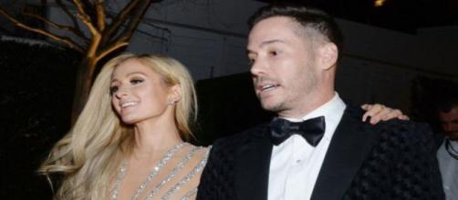 L'ereditiera Paris Hilton e lo scrittore Carter Reum