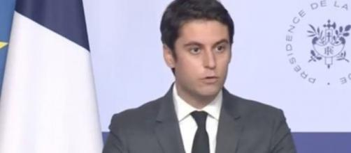 RReconfinement : Gabriel Attal déclare 'qu'un rien peut faire basculer' la situation ©photo capture d'écran vidéo Twitter Élysée -