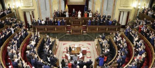El PSOE, a pesar de haber apoyado la propuesta de ERC para una mesa de diálogo, no dio su voto positivo por el referéndum pactado