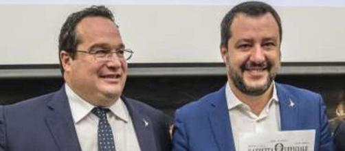 Pensioni, nuovo ddl della Lega, nella foto Salvini e Durigon.
