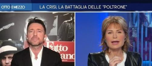Andrea Scanzi attacca duramente Matteo Renzi durante Otto e mezzo.
