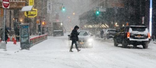 Estado de emergencia en Nueva York por fuerte tormenta de nieve.