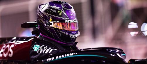 Lewis Hamilton, sette volte campione del mondo di Formula 1 sulla sua Mercedes.