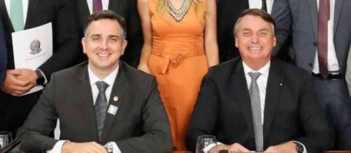 Novo presidente da Câmara foi parabenizado por Bolsonaro logo após sua vitória. (Reprodução/Twitter/@jairbolsonaro)