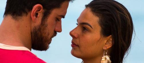 Zeca e Ritinha em 'A Força do Querer'. (Reprodução/Rede Globo)