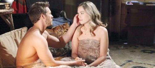 Anticipazioni Beautiful: Liam chiede a Hope di sposarlo.