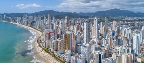 Cidades à beira do mar são as mais suscetíveis ao afundamento da crosta da Terra, diz pesquisa (Arquivo Blasting News)
