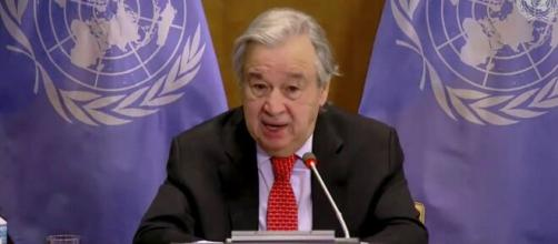 Guterres pide revertir acceso desigual a vacunas COVID