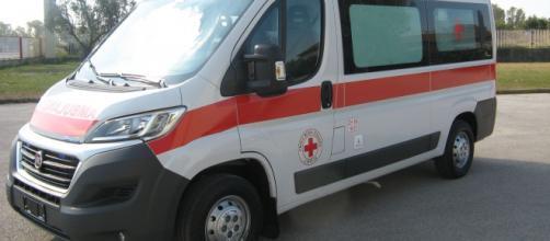 Treviso, mamma 31enne si lancia da un ponte col figlio: lei muore, il bimbo è in gravi condizioni.