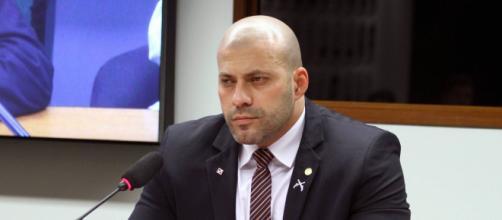 Daniel Silveira teve passagem na PM com várias irregularidades. (Arquivo Blasting News)