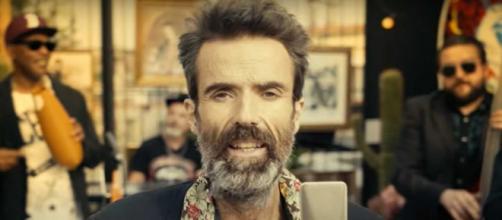 El cantante de 'Jarabe de Palo' Pau Donés grabó con Jorde Évolve un documental antes de morir de cáncer.