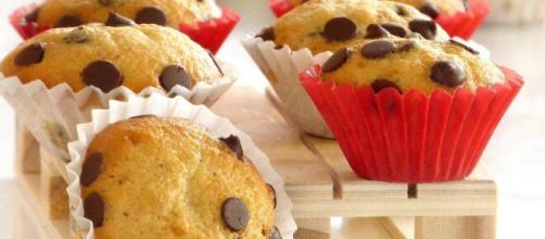 Ricetta muffin con gocce di cioccolato, gustosi e morbidissimi.