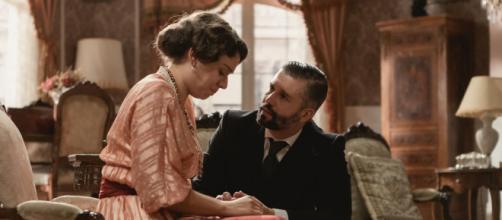 Una Vita, anticipazioni spagnole: Genoveva dice a Felipe che potrebbe essere incinta.