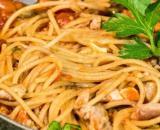Ricetta spaghetti al tonno, un primo piatto gustoso e veloce da fare