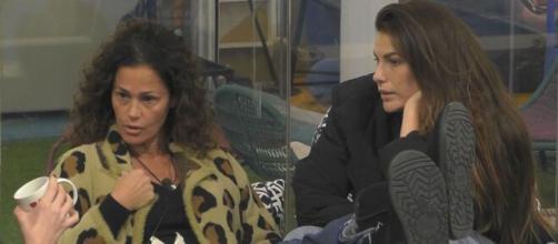 GF Vip, Rosalinda lascia la stanza blu, Samantha: 'Non mi merito questo, poco corretto'.