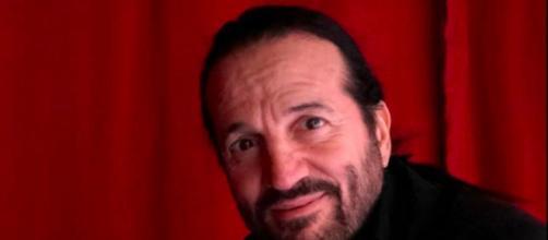 Une enquête ouverte contre Francis Lalanne - photo page facebook officielle du chanteur