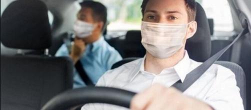 No llevar mascarilla en el coche entre no convivientes será multado