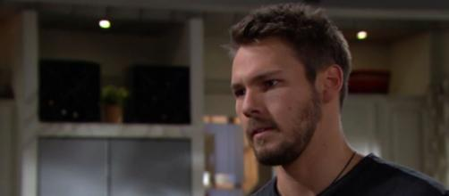 Finn demands an apology from Liam (Image source: CBS)