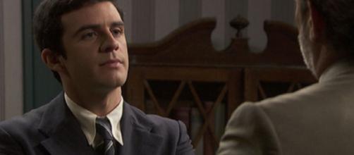 Il segreto, trame Spagna: Tomas apprende che Adolfo è figlio di Jean Pierre.