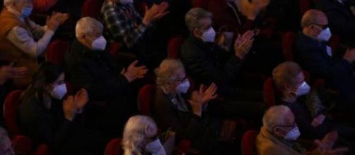 Los mayores vacunados de residencias madrileñas han acudido al teatro de la Gran Vía