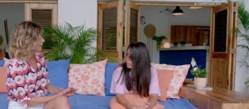 Sandra Barneda habla con Lola sobre la hoguera que pidió Diego.