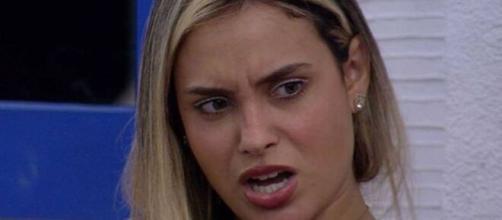 Sarah reclama de Projota no 'BBB21'. (Reprodução/TV Globo).