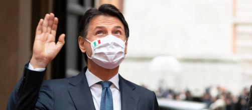Giuseppe Conte ha tenuto una lezione all'Università di Firenze.