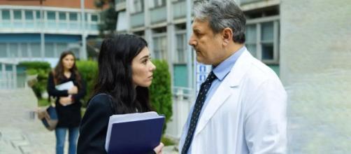 Un posto al sole Rossella (Giorgia Gianetiempo) assieme al dottor Igor Volpicelli (Massimiliano Buzzanca).