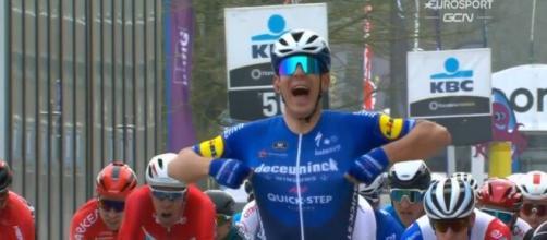 La vittoria di Davide Ballerini alla Het Nieuwsblad.