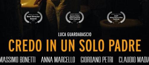 Credo in un solo padre di Luca Guardabascio.