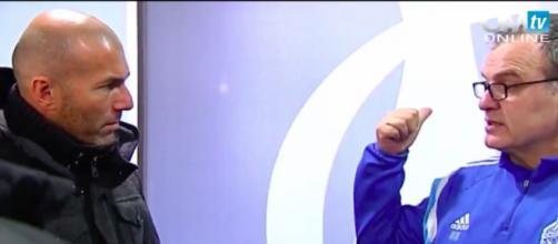 Quand Bielsa donne un cours particulier à Zidane - Photo capture d'écran vidéo