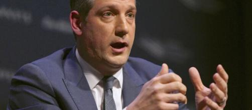 U.S. Representative Tim Ryan expected to formally launch Senate campaign (© Time/Youtube)]
