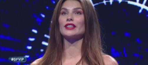 Grande Fratello Vip: Dayane Mello riceve una telefonata dall'ex Stefano Sala.