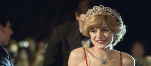 Emma Corrin concorre ao Globo de Ouro. (Arquivo Blasting News)