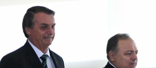 Bolsonaro e Pazuello estão sendo questionados sobre gestão da pandemia. (Arquivo Blasting News)