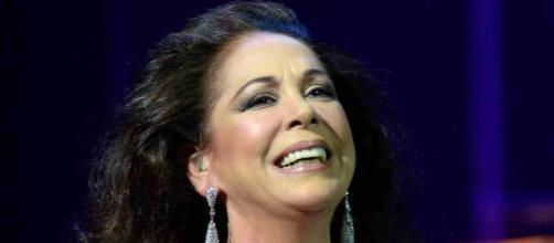 Isabel Pantoja responde a través de Luis Rollán a los ataques de Kiko Rivera