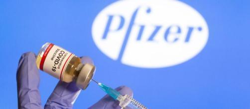 Los gobiernos europeos aplican distintas medidas ante el retraso de la segunda dosis de la vacuna