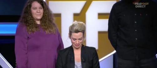 Téléfoot : Les larmes aux yeux, Anne Laure Bonnet fait ses adieux. ©Capture d'écran Téléfoot