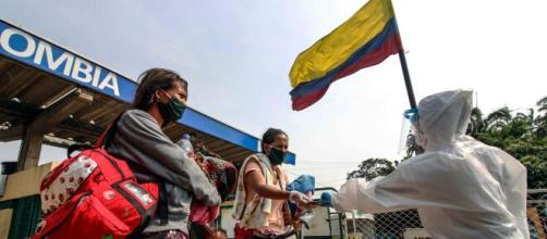 Miles de venezolanos cruzan a Colombia en busca de mejores condiciones de vida